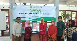 SAGA (Sahabat Keluarga) Progam Studi Ners Fakultas Ilmu Kesehatan Universitas Muhammadiyah Surabaya Pendampingan Kepada Masyarakat Dalam Menciptakan Lingkungan Bersih Yang Sehat Dan Mandiri